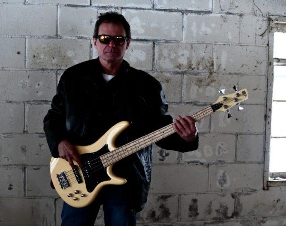 Versatile Rock - Terry Ritchie